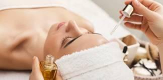 masaż twarzy olejami
